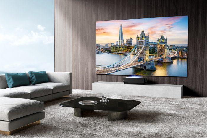 """Hisense, światowej skali producent TV, elektroniki użytkowej i sprzętu AGD, rozpoczyna komunikację na polskim rynku z hasłem """"Say Hi to Hisense"""", która ma na celu przybliżenie klientom portfolio produktów marki."""