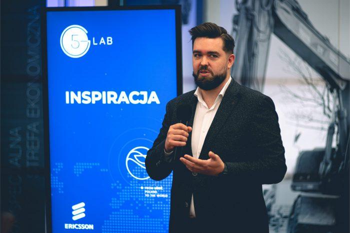 Pierwszy w Polsce kampus 5G dla startupów. Od dziś młode technologiczne firmy mogą korzystać z infrastruktury 5G, którą ŁSSE stworzyła we współpracy z partnerami: Orange, Ericsson, UKE.