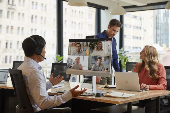 HP zaprezentowało komputer typu All-in-One (AiO) EliteOne 800 G8, stworzony z myślą o potrzebach współpracy w hybrydowych środowiskach pracy. HP zapowiedziało również nowe, biznesowe komputery stacjonarne.
