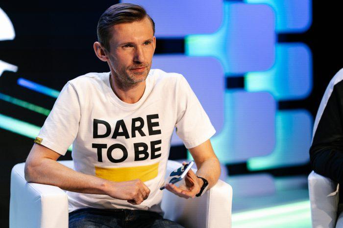 """Realme 8 5G - """"To może być Twoja służbówka marzeń"""" - podkreśla w rozmowie z IT Reseller Łukasz Łyżwa, szef sprzedaży realme w Polsce."""