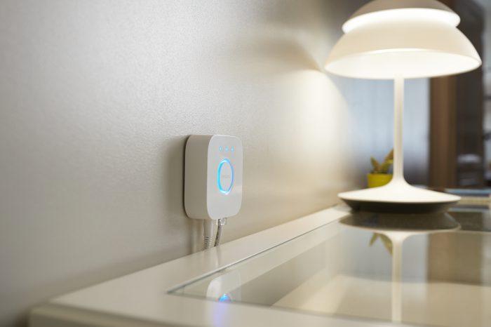 Przyszłość smart home: marka WiZ, jako jeden z pierwszych graczy na rynku inteligentnego oświetlenia, umożliwi swoim użytkownikom łączność za pomocą protokołu Matter – technologii ujednoliconej przez branżę
