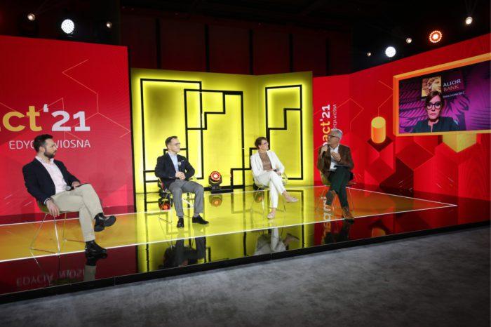 """Cyfrowa gotowość klienta usług finansowych – Jak w pełni zrealizować cyfrową obietnicę?"""" debatowali przedstawiciele takich firm jak Alior Bank, Mastercard, Vivus oraz Microsoft, podczas Impact 2021."""