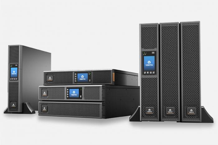 Jak wybrać odpowiedni system UPS dla klienta? W dobie transformacji cyfrowej firmy stają się coraz bardziej zależne od rozwiązań zapewniających ciągłość działania, chroniących przed utratą danych czy przerwami w pracy.