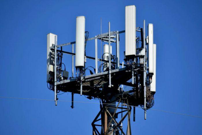 Politechnika Warszawska, Instytut Łączności - Państwowy Instytut Badawczy oraz polska firma IS-Wireless łączą siły w kwestii cyberbezpieczeństwa sieci 5G.