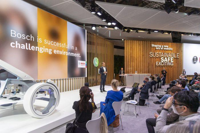 IAA Mobility 2021 - W obszarze elektromobilności żadna inna firma nie oferuje tak wielu opcji jak Bosch, firma generuje sprzedaż na poziomie ponad miliarda euro.