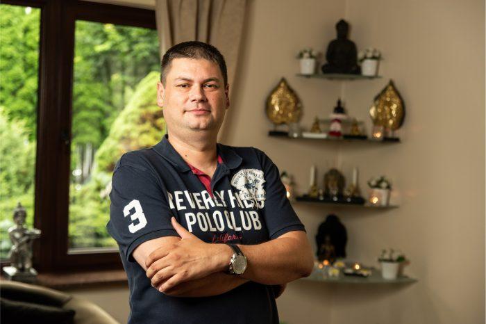 """""""O zdrowiu na Home Office i nie tylko"""" z Marcinem Maciejewskim, właścicielem i założycielem salonów Magic Thai Spa, o tym, co masaż tajski może dać przepracowanym osobom z branży IT."""